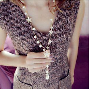Margaritas de lujo de perlas de imitación de la camelia collar moldeado largo suéter fino collar de cadena declaración collar para las mujeres regalo