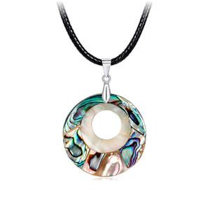 Nueva Venta Caliente Colorido Collar de Concha Natural Círculo Colgantes Abalone Shell Charm Gargantilla Collar Simple Cadena de Cuerda de Cuero Joyería de Moda