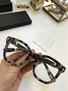 Luxury 7070 Glasses Fashion Designer delle donne Popular 7070S Glasses Lente Ottica Quadrato Full Frame Black Tortoise Marrone Bianco Come With Case