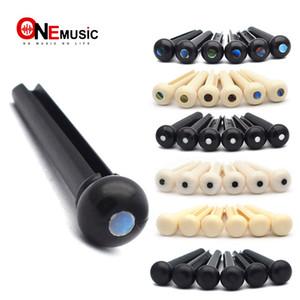 GETMusic 100 ADET / GRUP Akustik Gitar Oluklu Köprü Pin Klasik Tarzı ABS Plastik Gitar Parçaları Aksesuarları Fildişi Siyah