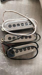 Coutume Guilde BM01 Brian May Signature Guitare électrique rouge 3 Chrome ROHS Micros (Pickup cou, micro central, Pick-up Bridge) Fabriqué en Corée