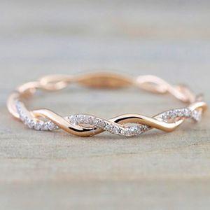 Anelli rotondi per le donne sottili in oro rosa di colore di torsione corda Stacking sposi Fahion gioielli regali di Natale in acciaio inossidabile 10PCS