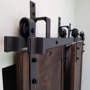 5/6 / 6.6 / 8ft Bypass rustikal schwarz Stahl Holz Schiebe-Scheunentor Hardware klassischen Stil Schieberollenschienenset Kit