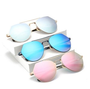 New Lacquer That Personality Random Cross-border Supply Sunglasses In Europe and The Personality Random Sports Male