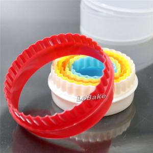 (6 adet / takım) Güzel yuvarlak dairesel şekil plastik bisküvi kesici çerezler diy hamur kesme aracı için diş çıkarma pürüzsüz bıçak