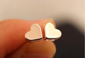 N маленький твердый любовь сердце Шарм серьги простой любовь сердцебиение серьги милый маленький геометрический форма сердца серьги женские ювелирные изделия