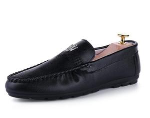 Los hombres zapatos de vestir zapatos de cuero de los hombres del dedo del pie señaló zapatos Bullock Oxfords para los hombres, ata para arriba el diseño de lujo