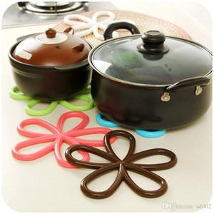 매화 모델링 캔디 컬러 플레이스 매트 Sweet Bardian Kitchen 딱딱한 안티 Scald Table Mat 디자인 중공업 Hot Sale 1 5sj dd