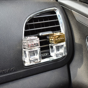 New Car Ornament Decoration Perfume Empty Bottle Vents Clip Auto Air Freshener Automobiles Air Conditioner Outlet Fragrance Smell Diffuser
