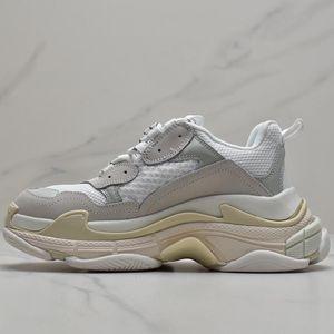 Paris Triple S Retro DSM Designer Luxury Fashion 17FW Femme Raf Simons Kanye Guccì Slipper Dad Grandpa Board Men shoes Sneakers 36-45