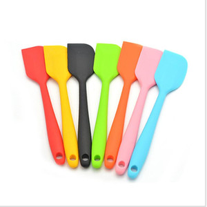 Kitchen Silicone Cream Butter Cake Spatula Mixing Batter Scraper Brush Butter Mixer Cake Brushes Baking Tool YYA59