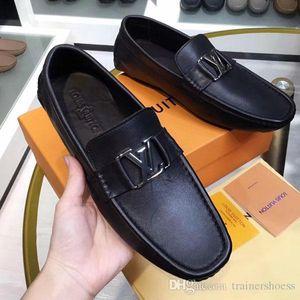 moda sapatos 2019 Newast das sapatilhas dos homens de impressão de couro liso sapatos formal metal botão Peas casuais sapatos de alta qualidade