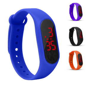 Four-color new LED bracelet watch sports smart bracelet convenient and durable support mixed batch free shipping