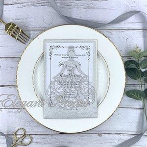 Os cartões dos convites da princesa de coroa do brilho do corte do laser para o doce 15 do aniversário do negócio Quinceanera, doce 16o convidam