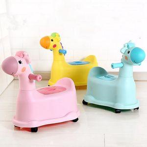 Diseño de ciervos de dibujos animados Baby Potty Baño de entrenamiento portátil para niños con ruedas Baby Toy Car para niños y niñas