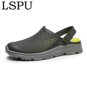 High Quality Summer Men Slip On Breathable Water Beach Slippers Fashion Crock Jelly Shoes Men's Summer Slides Flat Sandals