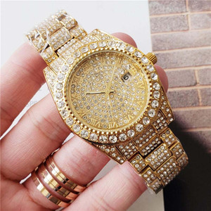 İş Erkek elmas Saatler Erkek tasarımcı saatler Yuvarlak Tam elmas yüzük kol saati Romen rakamı saat işareti dışarı buzlu Izle Gün Tarih izle