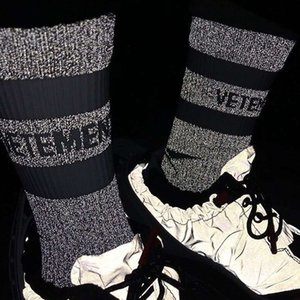 Kanye Vetements Reflective Sock Street Fashion Sports Comfortable Beautiful Socking Spring Autumn Winter Breathable Mid Tube Socks HFYMWZ026