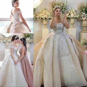 Роскошные бисером Line Свадебные платья с плеча Sequined 3D Цветочные Appliqued Кружева Свадебные платья Поезд стреловидности Урожай свадебное платье