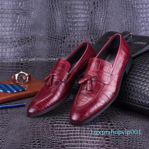 Fashion2019 Head 153-701 Layer Cowhide Correct Dress Shoe European Version England Man Crocodile Grain Tassels Leather Shoes Male