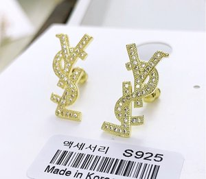 2019 Fashion Luxury Designer Stud Earrings para mujeres Joyas con Crystal Diamond Pearl Letter Design Earrings para Party Wedding Gift