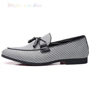 2019 Herrenschuhe Casual Adult Mokassins Modedesigner Driving Dress Social Men Loafers
