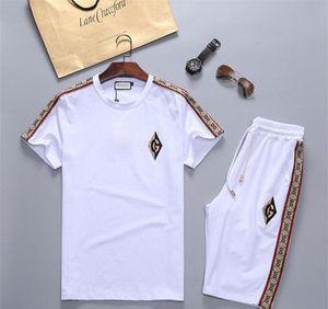 Men's sportswear suit 2020 hot sale designer suit T-shirt and pants men and women summer sports suit small package