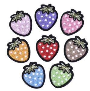 cerotto Strawberry Strawberry in rilievo Patch per Abbigliamento cucito su perline Applique Shirt Scarpe Borse Abbigliamento Fai da te patch Decorazione