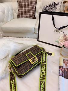 Kadınlar Moda Deri Çanta Büyük Kapasiteli Çantalar Eğik Taşınabilir Çift amacını yayılan
