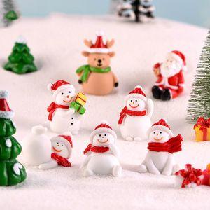 Miniatura de Navidad muñeco de nieve Figuras Santas ciervos del árbol de Navidad paisaje de la nieve Bonsai Decoración Arte de la resina de regalos Hada del jardín de accesorios