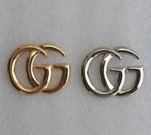 Designer de Luxo Homens Mulheres pins broches Gold Silver Letter Brooch Pin para Terno Vestido Pins para partido presente agradável