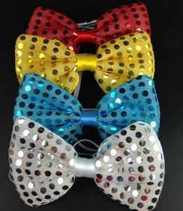 Paillettes Led Light Up Cravatta Cravatta luminoso Bowtie lampeggiante Lampeggiante favori di partito accessori per la casa di Natale di Halloween Club Bar Stadio puntelli del partito