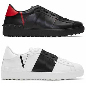 2020 Novo Homens Mulheres Sapatos Casual Mens Studded Spikes retalhos calça as sapatilhas Plataforma de vestido de couro Sapatos Des chaussures Branco Preto