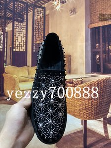 2019 new fashion men's casual shoes, luxury loafers, rivet embroidery, one-legged lazy shoes, stylish and comfortable fdzhlzj