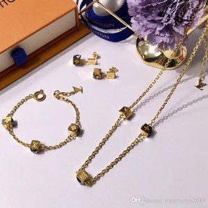 크리스탈 고급 실버 럭셔리 보석 여성 디자이너 목걸이 큐브 펜던트 목걸이 주사위와 골드 체인 우아한 목걸이 장미