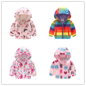 2020 Printemps Kids Vestes Garçons Filles Dessin animé Vêtements Enfant Capuche Manteaux Jacket Bébé Tops Chute Enfant Windbreak Manteau Outwear 39Colord21803
