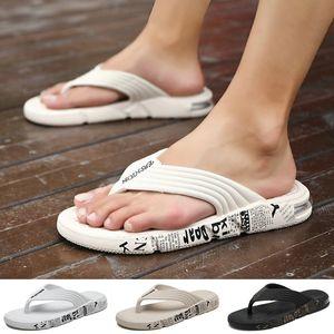 Flip Flops por Homens Simples Estilo de borracha Chinelos respirável Quick Dry Praia Sapatos Início Sapatos casuais