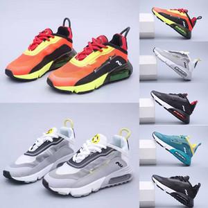 2020 Nova Childrens desenhador 2090 Running Shoes Universidade Triplo Black White Platinum tonalidade vermelha respiráveis Athletic crianças Meninas Calçados Hot Sale