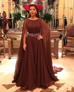 Robes de soirée élégantes avec cape en arrière 2019 nouvelles femmes arabes en mousseline de soie robe de bal officiel avec ceinture de fleurs
