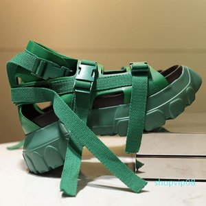 Diseñador de zapatos de los tacones-ed Altura Increaming mujeres hebilla de playa sandalias de tacón transparente 11 # 20 / 20D50