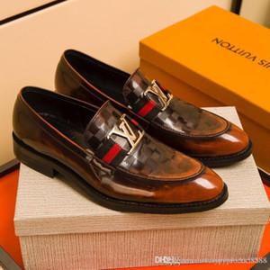 럭셔리 디자이너 높은 품질의 드레스 슈즈 브랜드 남성 가죽 신발 남성 비즈니스 옥스포드 캐주얼 신발 크기 39-45를 지적