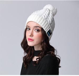 Música libre de avestruz Bluetooth Sombrero altavoz del auricular de la Mujer inteligente Cap auriculares con micrófono Bluetooth sombrero al aire libre de invierno