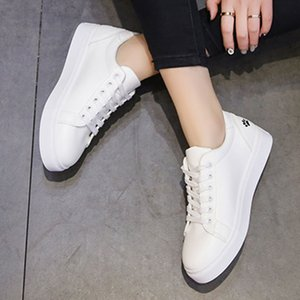 SAGACE College Samll White Cartoon Cat Breathable PU Shoes Solid Walking Platform Casual Shoes Woman Flat Bottom Feminino cs06