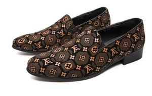 Hombres (zapatos casuales de cuero poccasin Oxfords de conducción ocasionales de los zapatos de los hombres zapatos de los holgazanes mocasines italianos para el tamaño 38-47 de los hombres