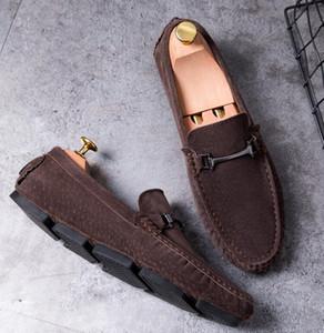 Yeni Lüks tasarımcı deri rahat ayakkabılar parçası hediye Doug ayakkabı Metal Toka Famous Kayma-on marka adam tembel fayları loafer'lar Zapatos Hombre V87