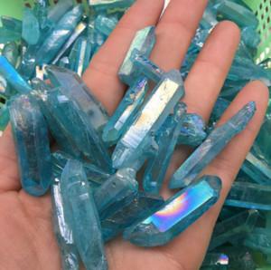 Venda quente Azul Aura Titanium Limpar Pingente De Quartzo Natural Raw Crystal Wand Ponto Áspero Reiki Cura Prism Cluster Colar Encantos Artesanato