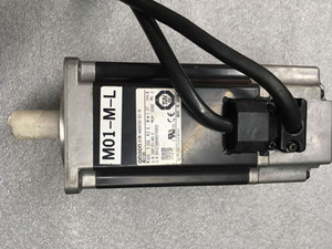 Omron R7M-A40030-S1-D Servo Motor Free Expedited Shipping New In Box  Used Test OK Keep in good condition