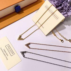 Les colliers pendentif lettre V femmes bijoux design de luxe en argent de haute qualité chaîne en or rose élégant collier avec alphabet
