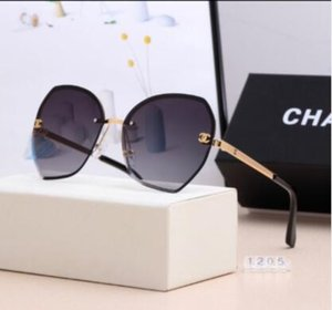 2020 Fashion Accessories Fashion Sunglasses Womens Sunglasses Beach Adumbral Glasses UV400 2391 5 Colors Highly Quality
