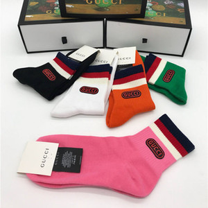 I più recenti calzini sportivi lunghi Luxury Italy Designer Unisex Casual Socks Autunno Inverno Moda uomo e donna Calzini